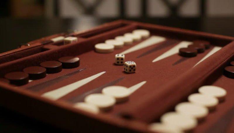 Play Backgammon Easily