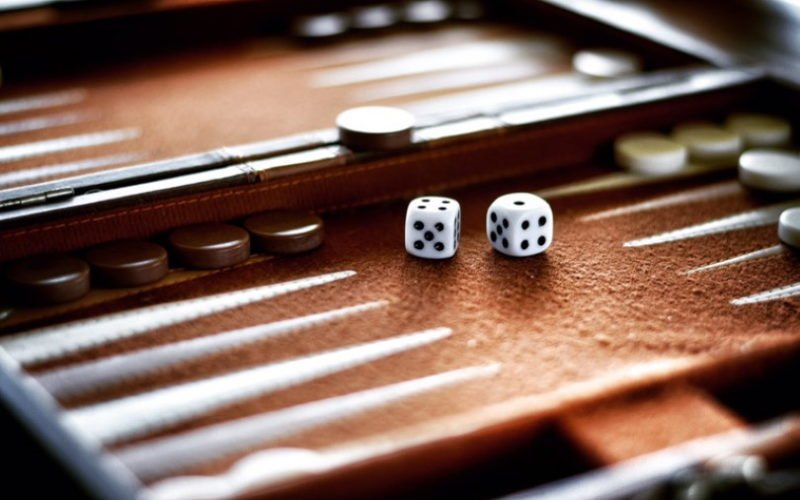 Backgammon Playing Guide
